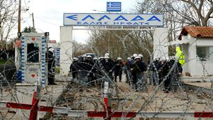 Europa no sancionarà Grècia perque és una de les portes de contenció dels refugiats