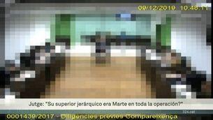 El referèndum de l'1-O tres anys després. Imputat el policia nacional de la puntada de peu voladora a l'escola Pau Claris de Barcelona