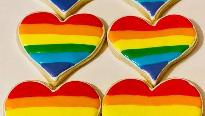 Una pastisseria, desbordada després del boicot per haver fet galetes LGTBI a Texas
