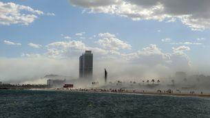 Juny: Tempesta de sorra a Barcelona (Foto: Ramon López)