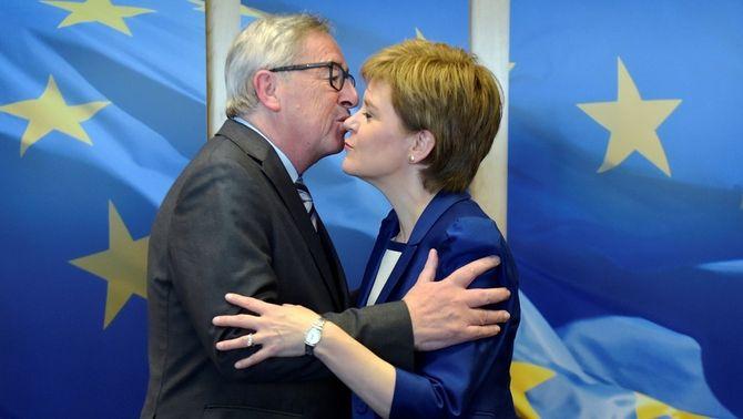 """Sturgeon marxa """"encoratjada"""" de Brussel·les on ha defensat la continuïtat dins la UE"""