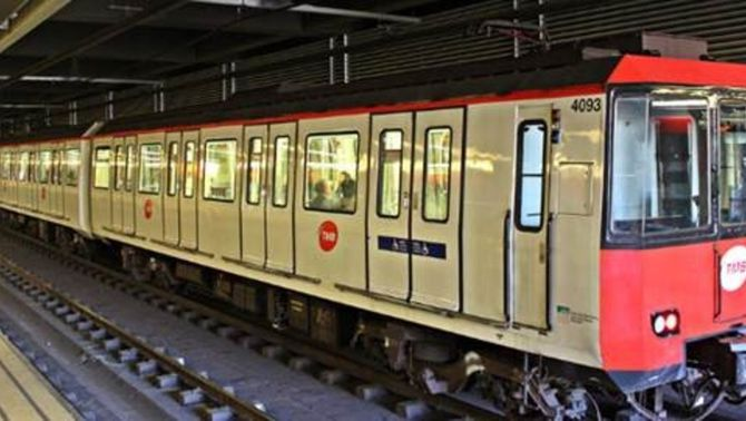 Es detecta amiant en tres vagons de la línia 1 del metro de Barcelona