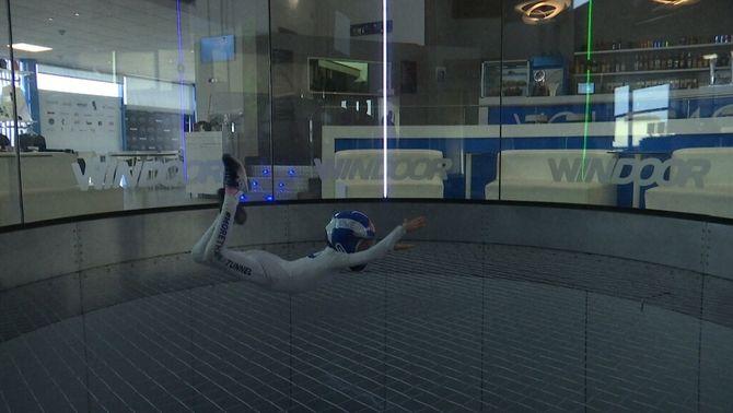 De fer el seu primer vol indoor amb 4 anys a competir internacionalment amb 7