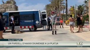 Troben un fardell d'haixix a la platja de Sitges