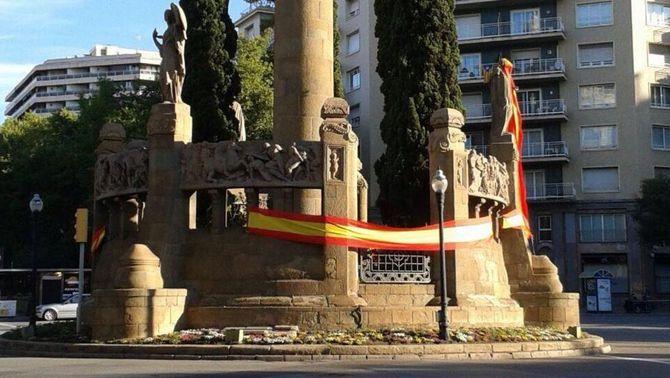 Barcelona es lleva amb banderes espanyoles en punts cèntrics
