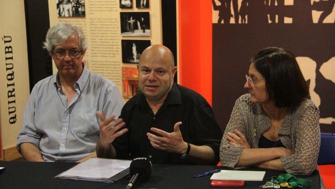 L'Enciclopèdia Catalana recull en un volum de gran format 125 anys de cartells d'espectacles