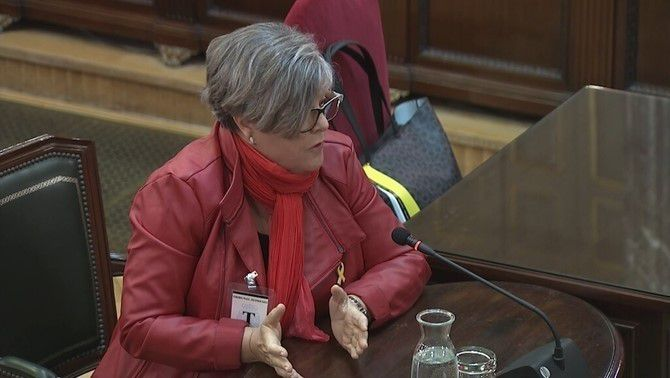 """An October 1 voter says that Guardia Civil officers harassed her and called her """"retarded"""""""