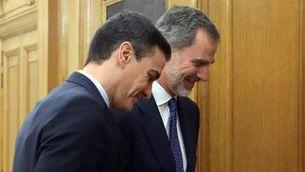 Sánchez i el rei, en la trobada d'aquest dimecres a la tarda a La Zarzuela (EFE / Kiko Huesca)