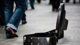 Com viu un músic de carrer sense poder sortir al carrer?