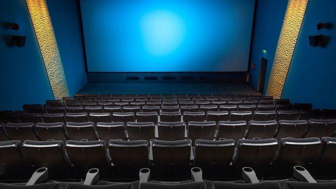 """""""Arrenquem!"""": els cines preparen una cartellera amb estrenes, reestrenes i clàssics"""