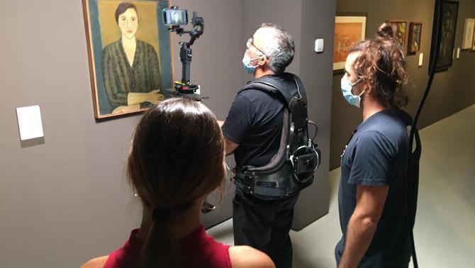 """Un moment del rodatge d'""""Un passeig per l'MNAC"""""""