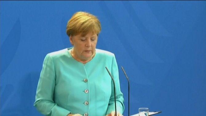 """Merkel qualifica el Brexit de """"cop de porta als processos d'integració europea"""" i el veu com un punt d'inflexió per a la UE"""