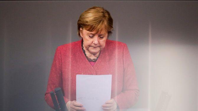 """Merkel suplica que es compleixin les mesures perquè no sigui """"l'últim Nadal amb els avis"""""""