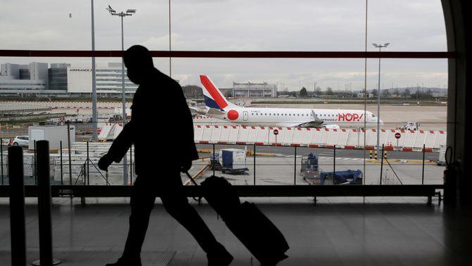 França prohibeix els vols interiors amb alternativa de dues hores i mitja en tren