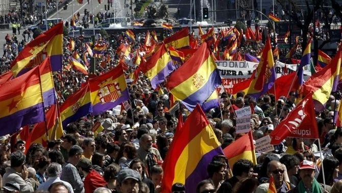 Manifestació a Madrid reclamant la III República.