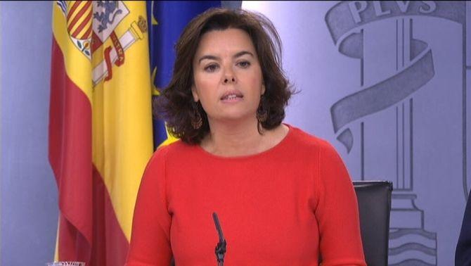 El govern espanyol convida Puigdemont a presentar el referèndum al Congrés