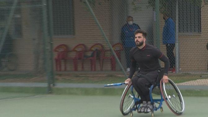 La nova vida de Pelayo Novo, l'exfutbolista que va caure d'un tercer pis