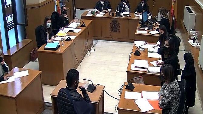 Demanen 11 anys de presó per als acusats de violar dues noies en un pis ocupat a Manresa