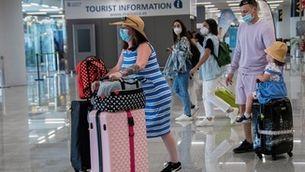 Guia per anar de vacances: on pots viatjar i quina documentació necessites