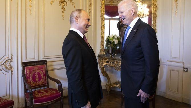 Putin i Biden conversen en la trobada que els dos presidents han mantingut a Ginebra