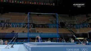 La sorprenent caiguda del campió olímpic de gimnàstica