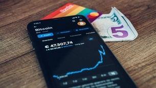 La muntanya russa del bitcoin: un perill, una moda o una bona inversió?
