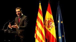 Pedro Sánchez, president del govern espanyol, durant la seva intervenció en el Liceu (EFE / Toni Albir)