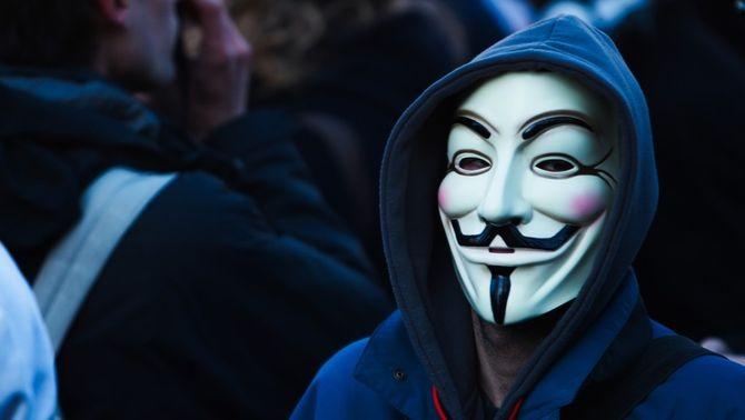 Anonymous fa caure la pàgina web del CNI