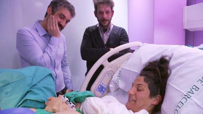 Roger al part de l'Eloy, amb els pares, el pablo i la marta, capítol ser pares
