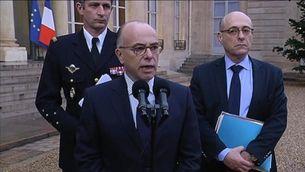 El ministre de l'Interior francès anuncia la identificació de l'autor dels trets a l'agent municipal