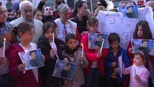 """Una pancarta davant la Generalitat recordava que """"La transfòbia mata"""""""