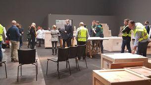 Marxen de Lleida les obres d'art de Sixena escortades per la Guàrdia Civil