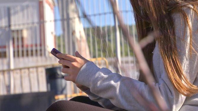 8 de cada 10 menors catalans han estat víctima de violència virtual