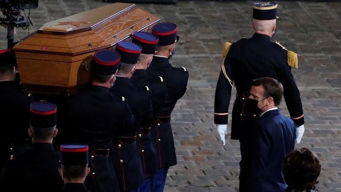 """Avança la llei de Macron perquè la comunitat islàmica """"no s'aïlli dels valors francesos"""""""