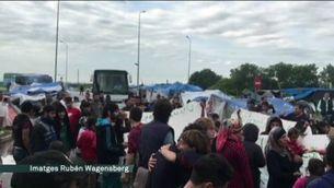 La policia desallotja l'Eko Camp, un camp de refugiats pròxim a Idomeni