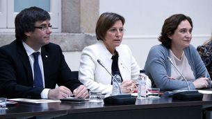 Carles Puigdemont, Carme Forcadell i Ada Colau, en una reunió del Pacte Nacional pel Referèndum (ACN)