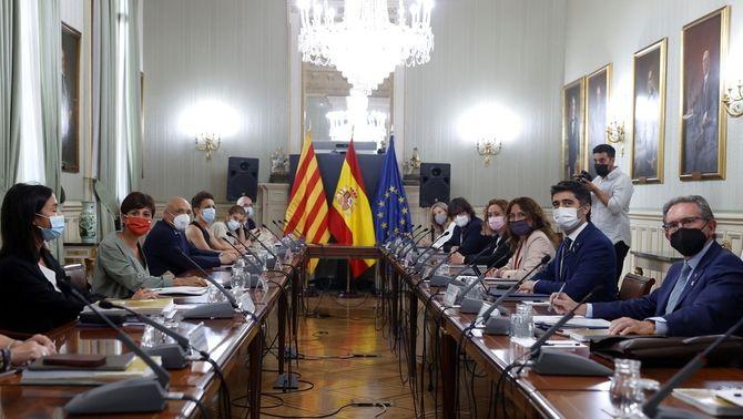 Les delegacions del govern espanyol i la Generalitat, en la comissió bilateral a Madrid (EFE/Mariscal)