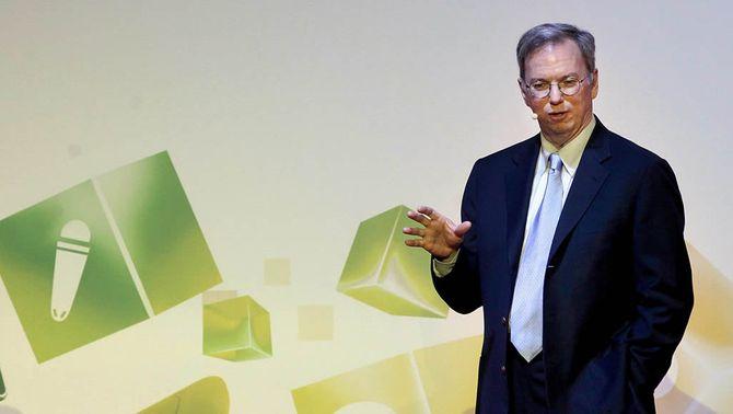 """Eric Schmidt pronostica al MWC un futur en què la tecnologia serà """"com l'electricitat"""""""