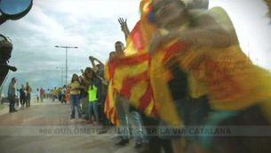 """""""Encadenats"""" per la independència"""