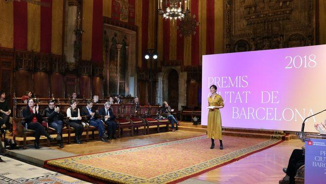 Acte d'entrega dels Premis Ciutat de Barcelona al Saló de Cent de l'Ajuntament amb les cadires buides dels regidors de Cs i PP. Imatge del…