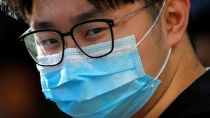 Les màscares s'esgoten a les farmàcies catalanes pel coronavirus