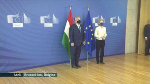 Orban posarà les lleis que Europa considera homòfobes a referèndum