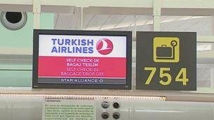El primer vol des de Turquia que aterra al Prat després de l'atemptat