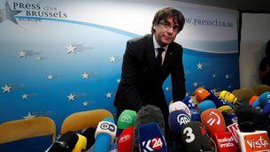 Carles Puigdemont, aquest dimarts, poc abans de la roda de premsa que ha fet a Brussel·les (Reuters)