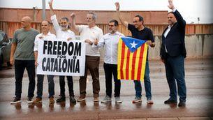 Les imatges de la sortida en llibertat dels presos i preses independentistes