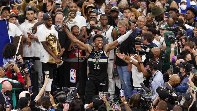 Els Bucks es proclamen campions de l'NBA després de derrotar els Suns (105-98)