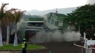 La lava del volcà Cumbre Vieja ensorra una casa a Todoque