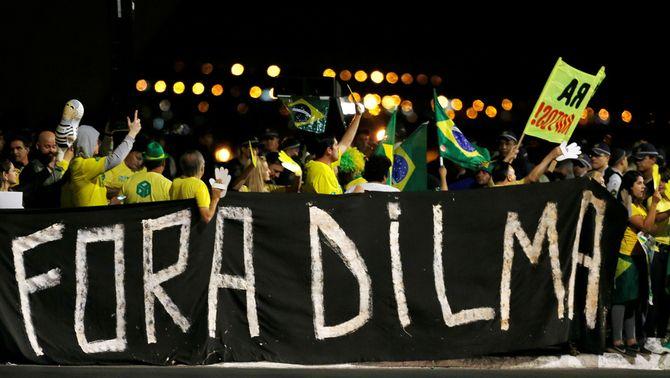 Manifestació de protesta contra Rousseff a Brasília (Reuters)