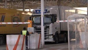 La frontera francesa amb el Regne Unit amoïna els transportistes a les portes del Brexit