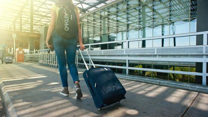 On es podrà viatjar aquest estiu? Les restriccions, per països